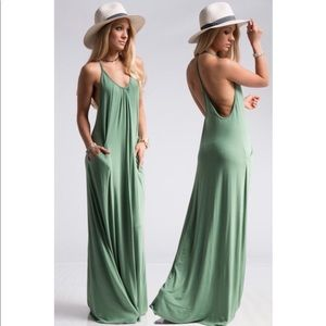 Dresses & Skirts - 🔥JUST IN!⭐️💕Apple Green T-back Maxi w Pockets